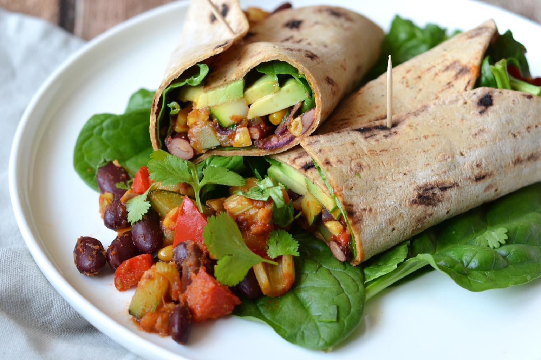 Eiwitrijke Mexicaanse gevulde tortilla's vegan