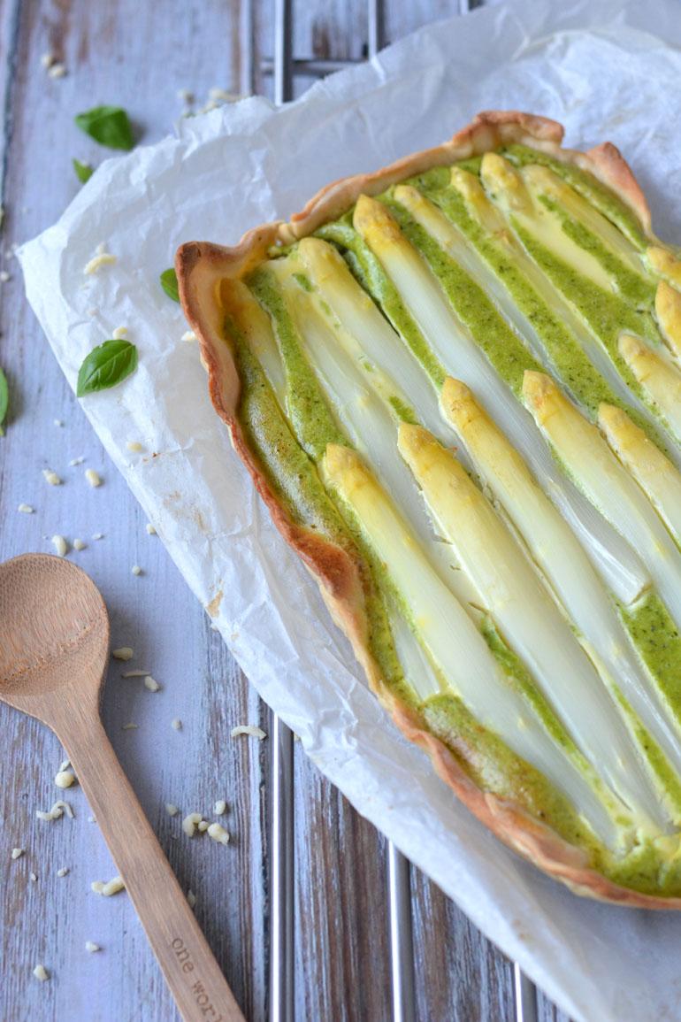 Asperge taart met basilicum en geitenkaas
