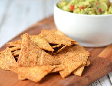 Zelf gezonde tortillachips maken van wraps