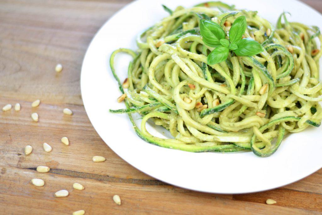 vegan courgetti avocadopesto