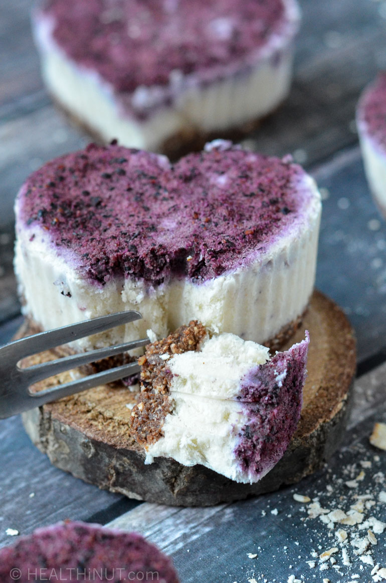 Raw Vegan Mini Blueberry Cheesecake
