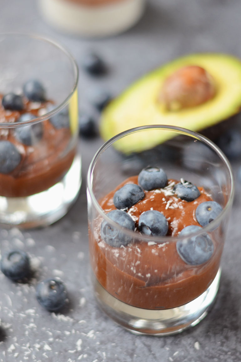 Vegan bounty chocolade mousse met avocado recept